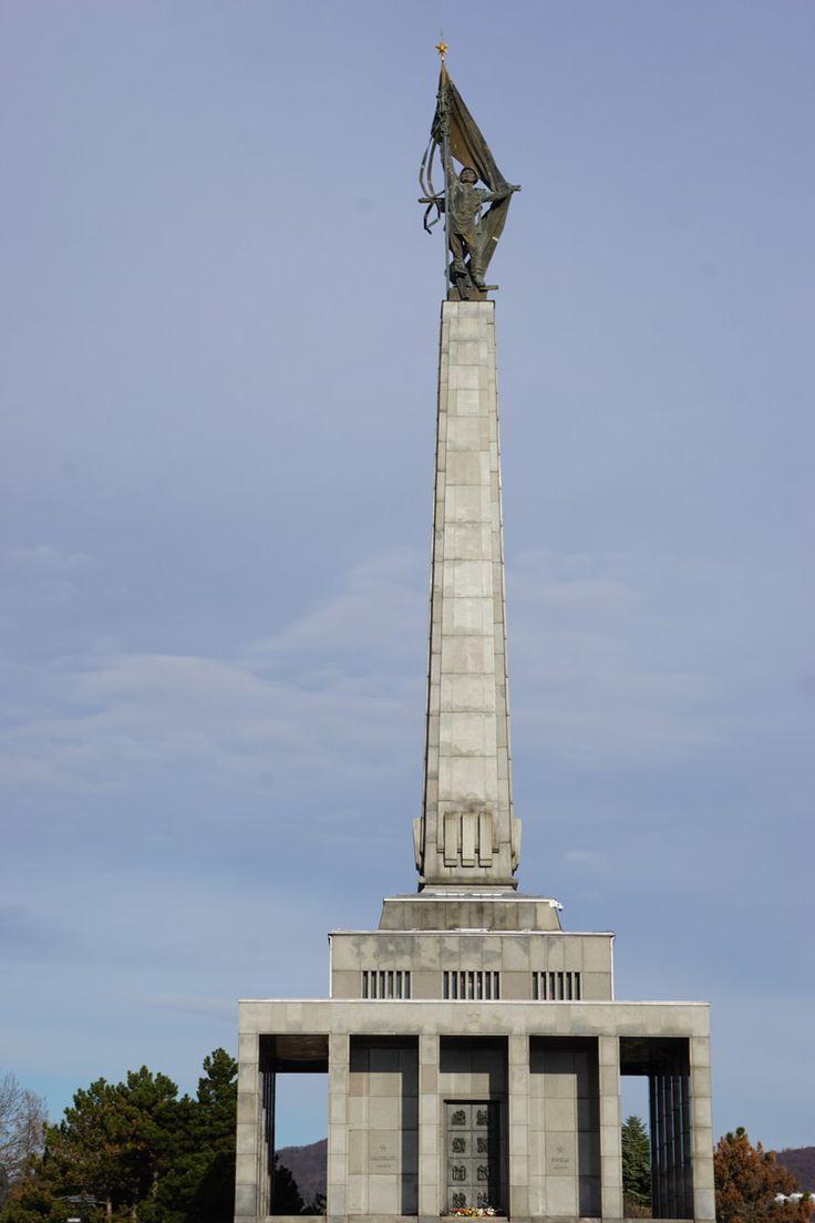 Bratislava: Monumentales Kriegsdenkmal Slavín