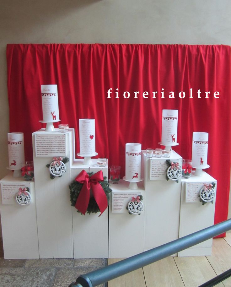 Fioreria Oltre/ Christmas wedding reception/ Paper lantern table seating plan / tableau de mariage