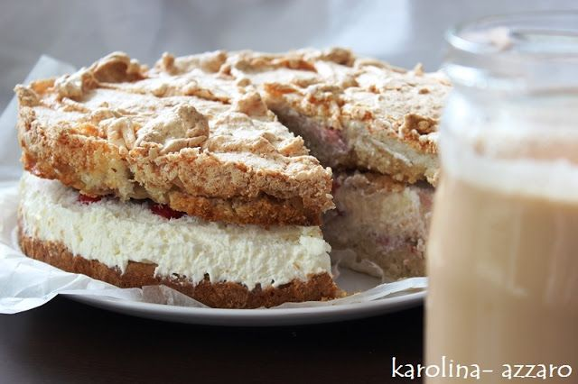karolina-azzaro: Jahodová torta s kokosovou pusinkou