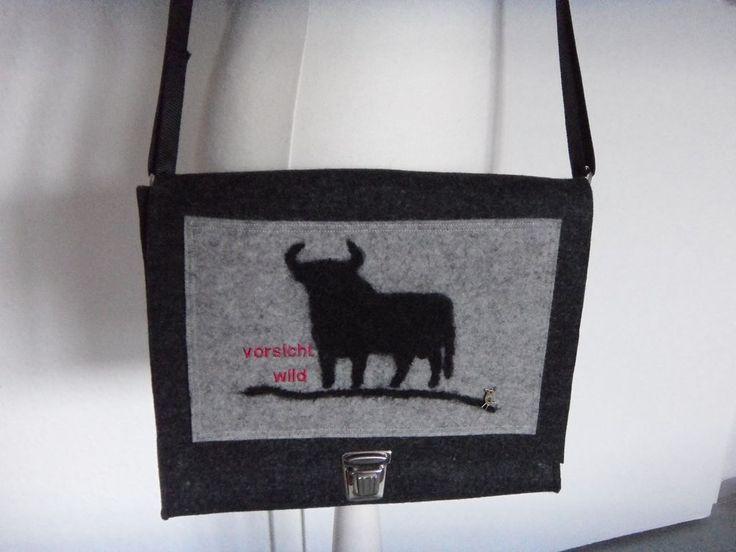 Damentasche,Designfilz,Stier,Beutelhuhn,Außentasche,Steckschloss,mittelgr.Wollfi