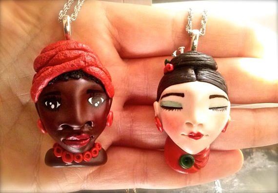 Donne del mondo in argilla polimerica/polymer clay ARTE DA INDOSSARE #handmade #polymerclay #polymer #sculpture