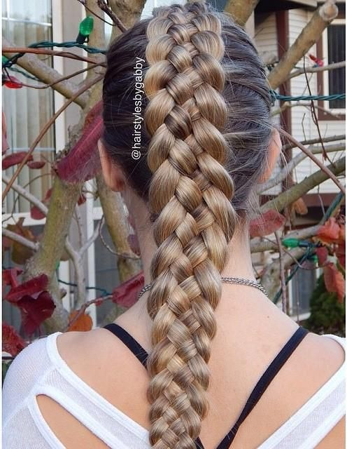 The five strand Dutch braid by @hairstylesbygabby is stunning