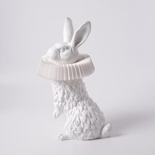 Hasenlampe Mit Deko Skulptur Fur Wohnzimmer Schlafzimmer Kinderzimmer In 2020 Deko Skulpturen Kinder Lampen Lampe
