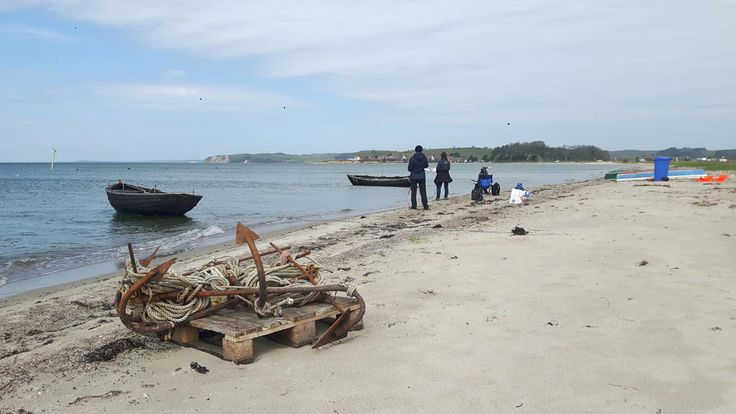 Fischerboote am Strand zwischen Thiessow und Klein Zicker | Fischerboote malen am Strand zwischen Klein Zicker und Thiessow (c) Frank Koebsch (5)