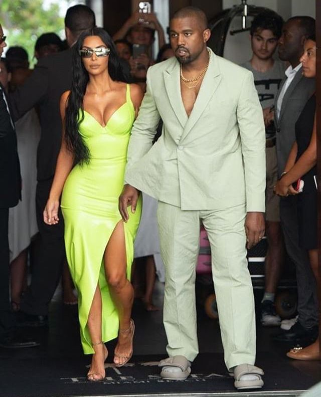 Kanye West And Kim K In Miami Kanye West Wears A Louis Vuiton Costume And Yeezy Season Kim Kardashian Style Outfits Kim Kardashian Outfits Kanye West And Kim