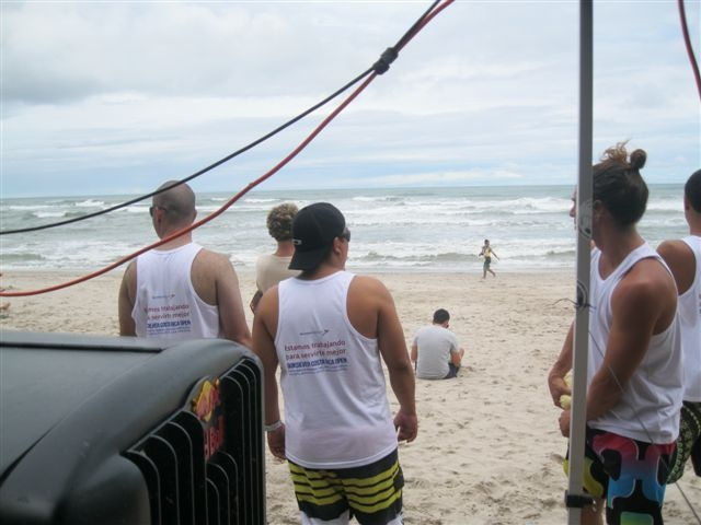 SANSA Regional was sponsoring the Quiksilver Costa Rica Open 2011 and celebrate the event granting 2 flight tickets + hotel to winner of a raffle from our facebook page.     How to flight cheap
