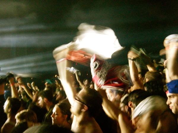 Crowd melting pot by Rachel Machalani, via Behance