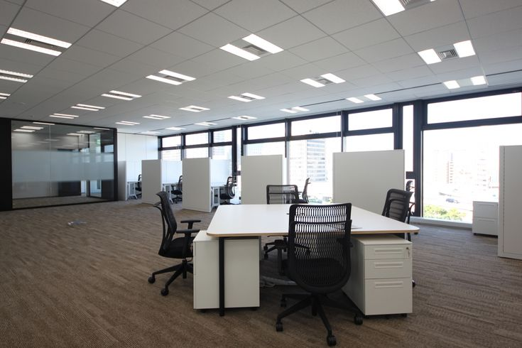 ガラスで表現するクールで透明感のあるオープンオフィス|オフィスデザイン事例|デザイナーズオフィスのヴィス