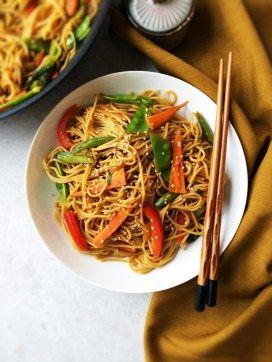 Healthy chilli garlic noodles in sesame pepper sauce