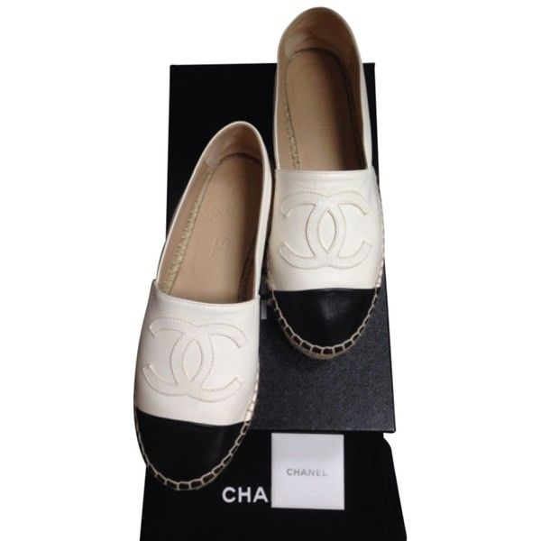 Pre-owned Chanel White Black Espadrilles Lambskin Leather 15s Ballet... ($849) ❤ liked on Polyvore featuring shoes, flats, white black, cap toe flats, ballet pumps, summer flats, ballerina shoes and clear flats
