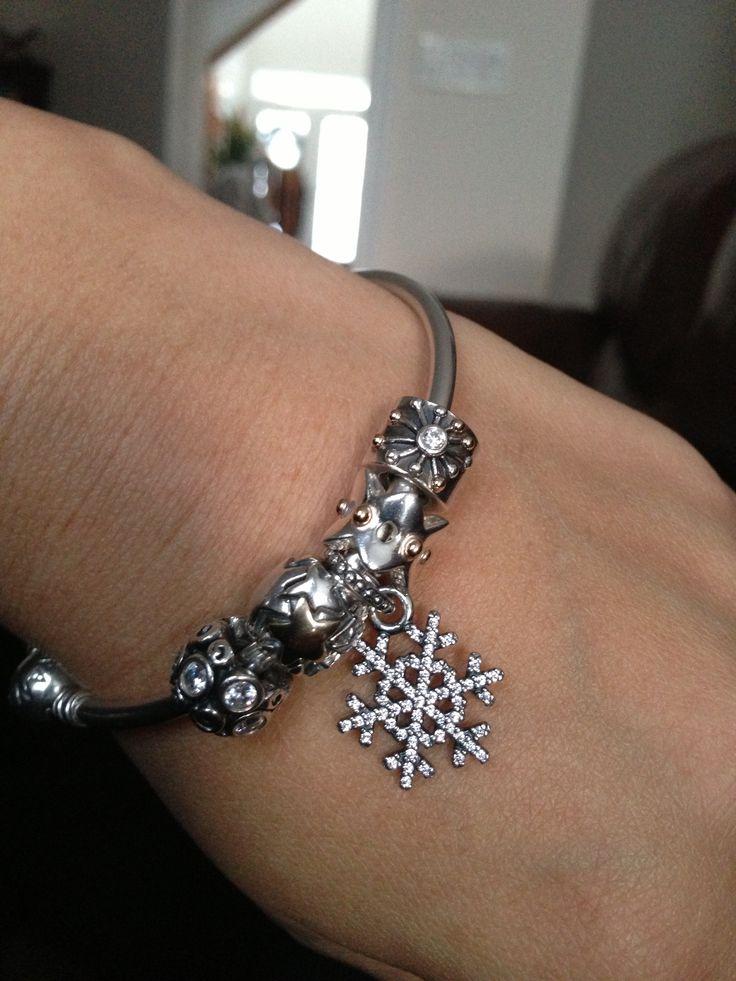 Sparkly Winter PANDORA Bangle #PANDORAloves #PANDORAbracelet