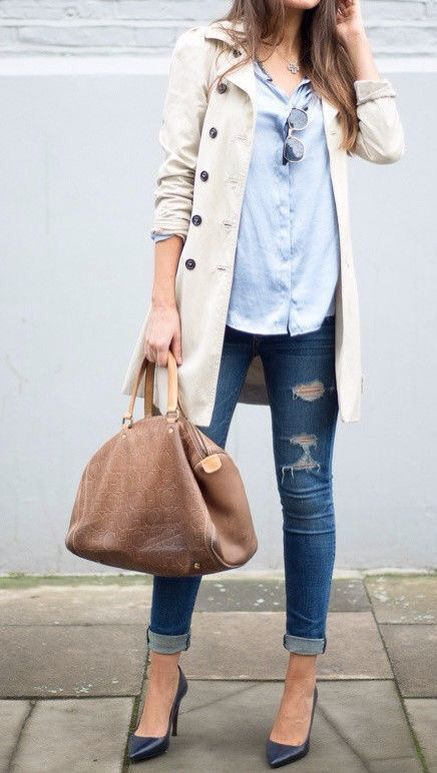 Oxford shirt, trench coat, jeans, and pumps.