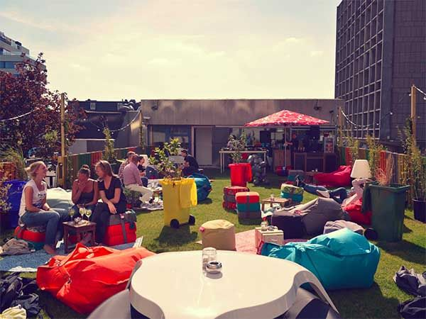Baut - The place not only is among the best restaurants in town, but also has a really cosy rooftop bar, as well as an outdoor terrace in front of the entrance that are open in the warm period. #amsterdam #baut #rooftop