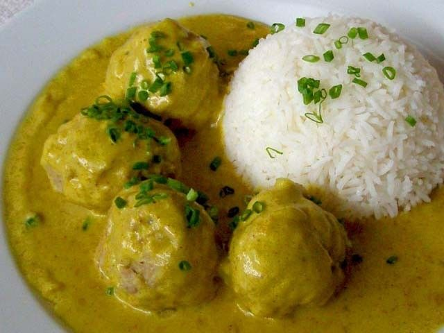 Boller i karry - Danish Pork Meatballs in a mild Curry sauce- is a traditional Danish pork recipe and everyday favorite that has been served  to generations of Danes for over 150 years.