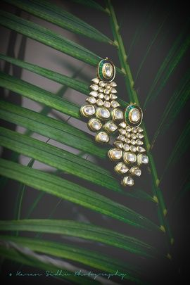Indian Wedding Jewelry - Gold Polki Earrings   WedMeGood  Polki Kundan Earrings with Green Enamel and Meenakari work. Find more jewelry designs on wedmegood.com #wedmegood #jewelry #wedding #polki #meenakari
