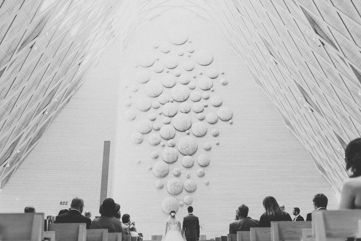 Ceremony at Church of Kuokkala | Scandinavian wedding | Pitsiniekka | Picture by Jaakko Sorvisto www.jaakkosorvisto.com