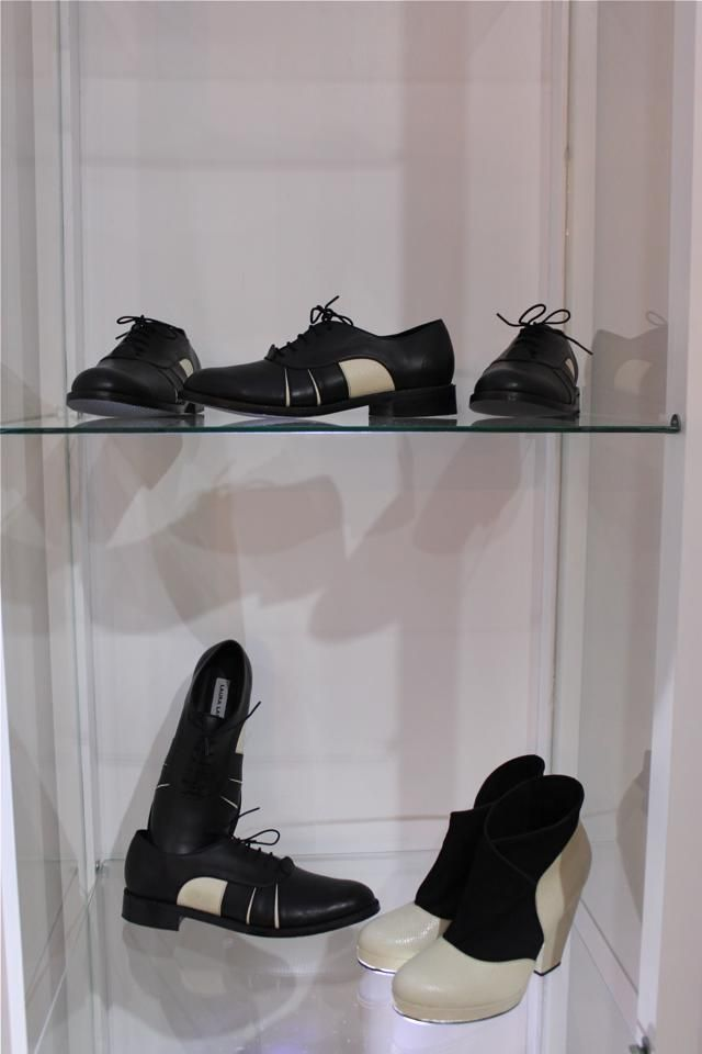 Black and white / Flat shoes