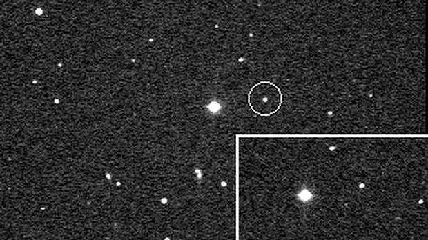 El planeta menor Quirón. FOTO: NASA. Un híbrido entre asteroide y cometa hallado en nuestro sistema solar podría tener anillos como Saturno  mar 16, 2015 @ 07:05 pm › Arkantos ↓ Deja un comentario  En nuestro Sistema Solar solo hay cinco cuerpos conocidos que están rodeados de anillos: Saturno, Júpiter, Urano, Neptuno y Cariclo, un planeta menor del grupo de los centauros, pequeños cuerpos rocosos que poseen cualidades tanto de los asteroides como de los cometas. Ahora, científicos del MIT…