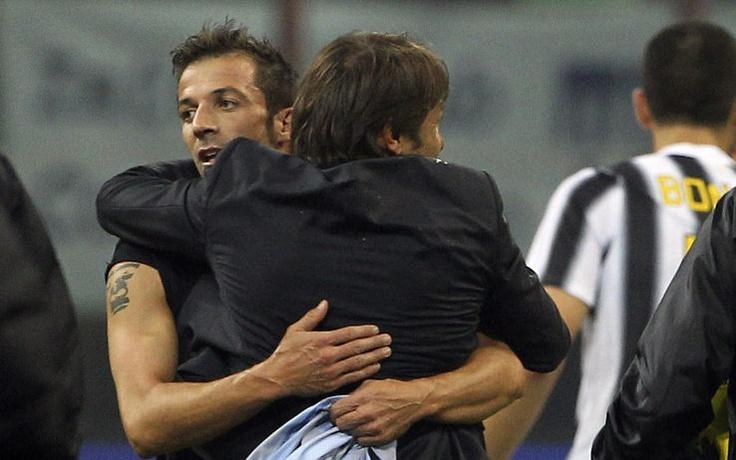 L'abbraccio tra Del Piero e Conte (Capitano e Mr)