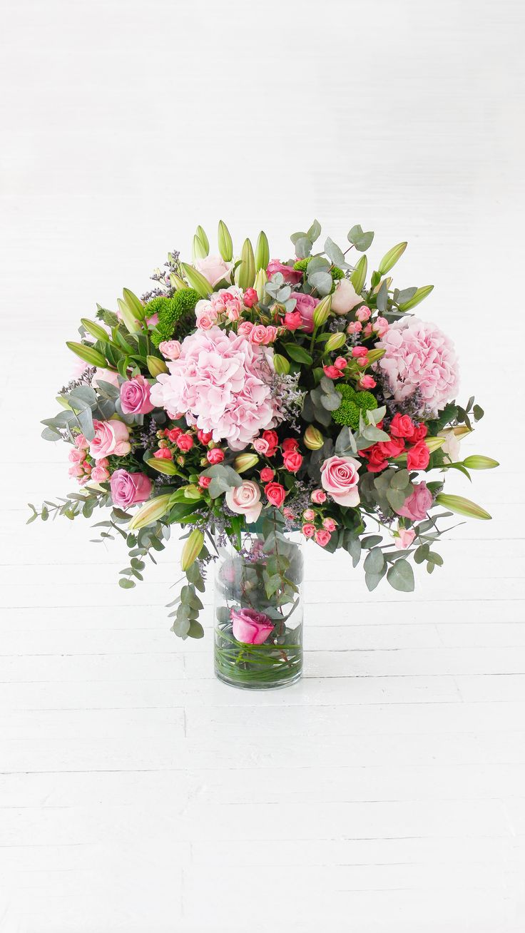 Flowers.ie is known as Best Flower Delivery in Galway. Our