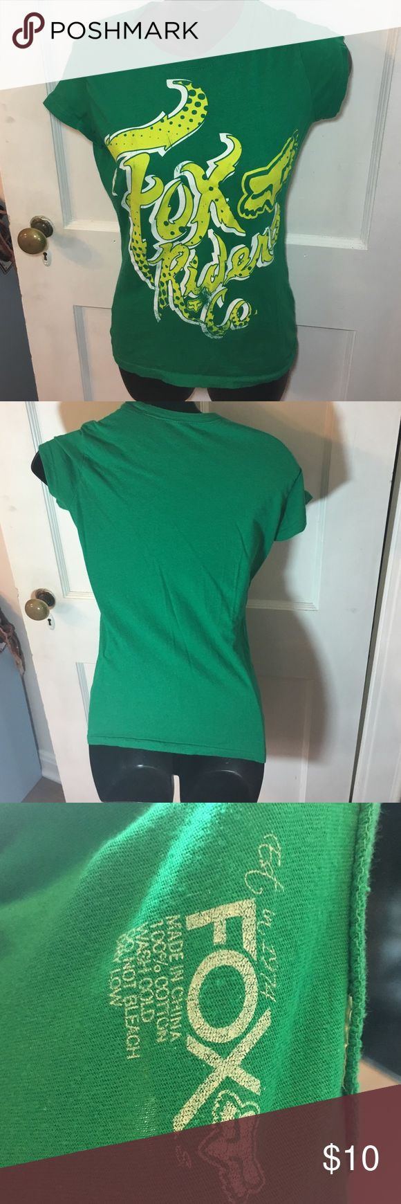 Fox Racing Shirt Bust 13 1/2in laying flat   -Good condition! MAKE ME AN OFFER!  -Pre loved item -I do not accept offers in the comments so please make all reasonable offers using the offer button only. :) -NO TRADES  -NO HOLDS 🚫 -I ship every Monday, Wednesday and Friday  -All items are hand washed before they are shipped out   💕Instagram- allisonsbeautyboutique 💕 Your purchase is going to help me graduate community college with as little debt as possible. Thank you! Fox Racing Tops Tees…