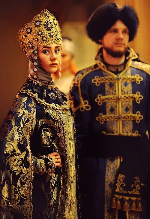 Traditional costumes of boyars, Russian medieval aristocrats. 16th century, modern replica. #history