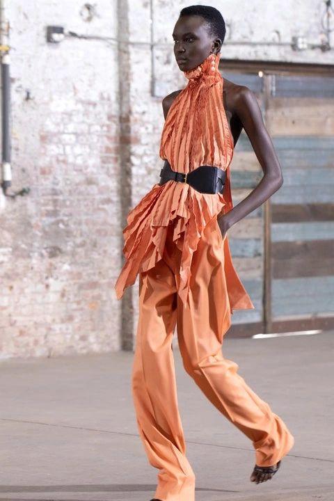 Victorian, but Make it Fashion Fashion Week Spring 2021