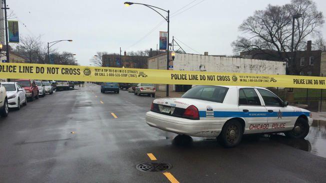 Asesinadas cuatro personas en un tiroteo en un restaurante de Chicago, EE.UU.