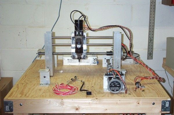 A light duty cnc milling machine router that is controlled