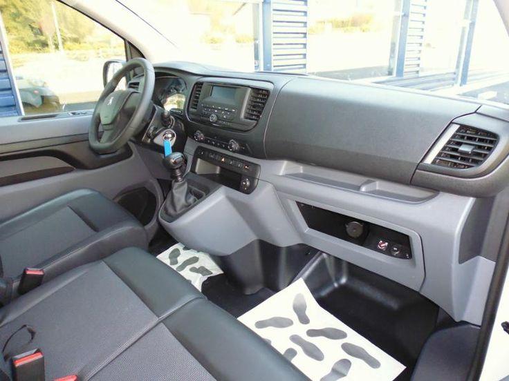 #peugeot EXPERT FG Standard 1.6 BlueHDi 115ch Premium S&S en vente sur Ma Nouvelle Auto : Utilitaire - Diesel - 4 625 km - Boîte Manuelle - 2016 - Garantie PREMIUM 24 mois - 25 800€. En savoir plus : https://manouvelleauto.com/annonce-voiture-occasion/peugeot/expert-fg/ref-4399