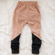 two tone leggings: great idea for kids pajamas