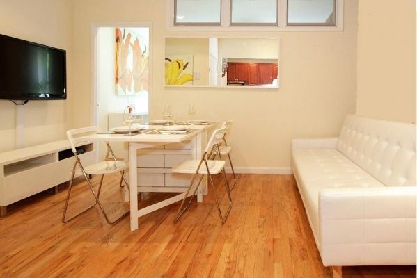 New York City, United States of America Vacation Rental, 2 bed, 1 bath. Thousands of photos and unbiased customer reviews, Enjoy a great New York City apartment rental perfect for your next holiday. Book online!