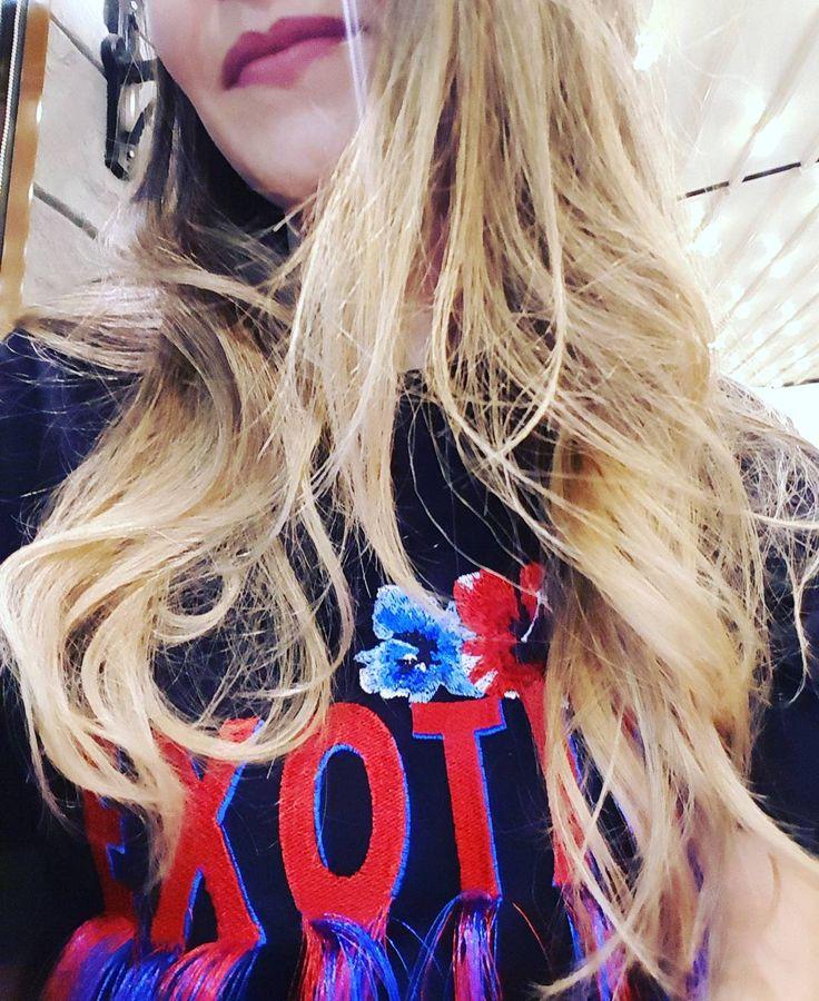 Yalandan sarışınlık. Bir özenti bir sonradan görme�� #blonde #hair #hairstyle #saç #makyaj #bakım #blogger #style #fashion #stil #bakım #moda #bershka #sarışın #kadın #woman #blondegirls #girls #ombre #saçbakımı #incetellisaçlar #türkbloggerlartakipleşiyor #bye #lips http://turkrazzi.com/ipost/1525591665150516296/?code=BUr_YlZl9xI