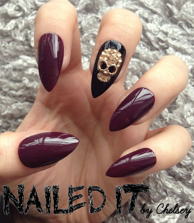 Berry Skull nails! On sale now, see link in bio ☺️