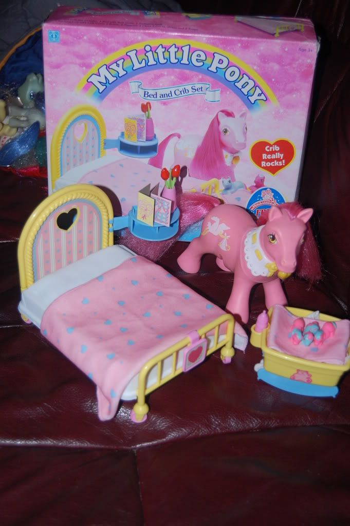 My Little Pony Bed And Crib Set .