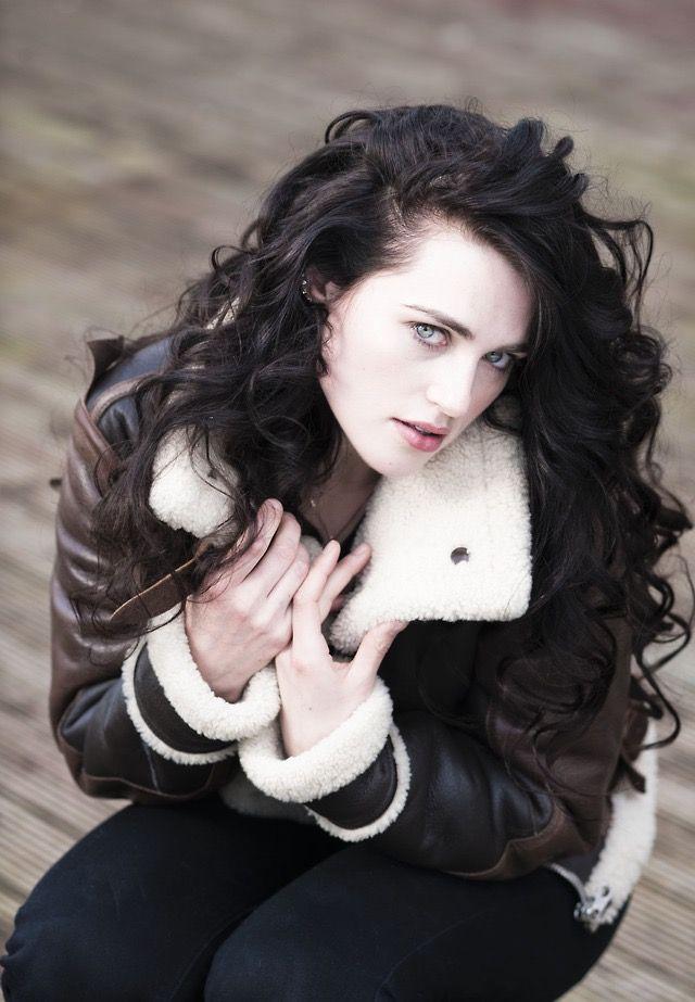 Katie Mcgrath Dark Hair Pale Skin Hair Fair Hair Pale Skin