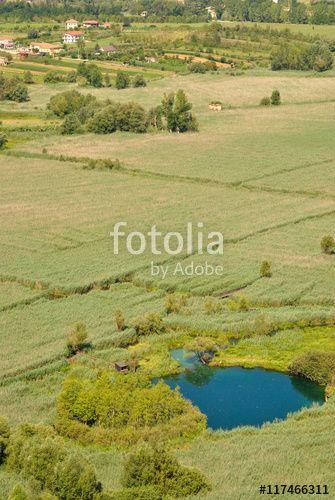Isola galleggiante sul lago di Posta Fibreno - La Rota - Frosinone, Lazio - Italia