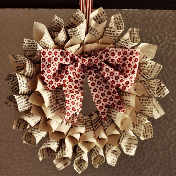 1000 id es sur le th me fleurs en papier sur pinterest - Fabriquer une couronne de noel en sapin ...