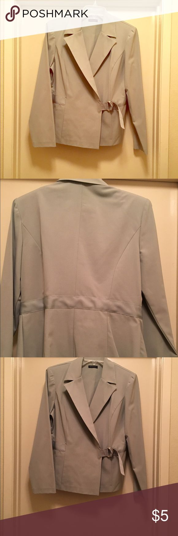Gray casual suit jacket.  Great condition! Excellent gray casual suit jacket.  Real cute! Like new. 🍃 made of 62% polyester 34% viscose 4% spandex. courtenay Jackets & Coats Blazers