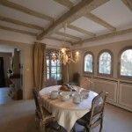 Sur les hauteurs de SAINT PAUL, au calme,très belle villa provençale , bénéficiant d' une triple exposition, rénovée avec qualité, ..