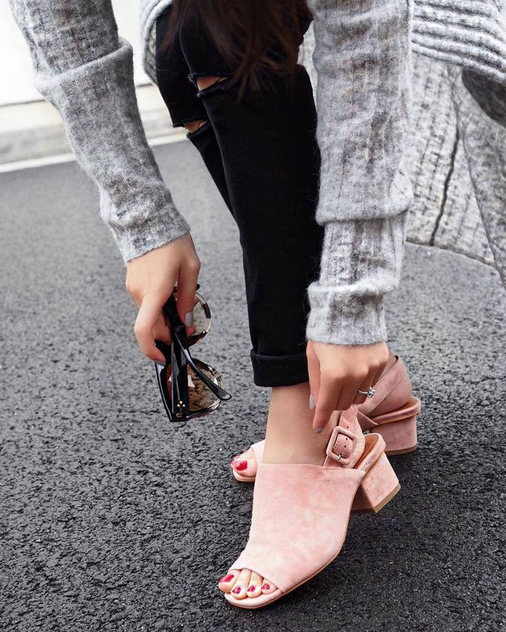 Our pink suede mules are the perfect way to add a pop of fun to your outfit. As seen on @alvinaaaa