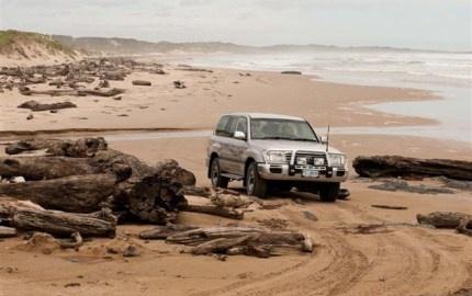 4WD tour on the beach enjoying Tasmanian Coastline