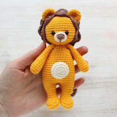 Лев-обнимашка - схема вязания амигуруми игрушки крючком
