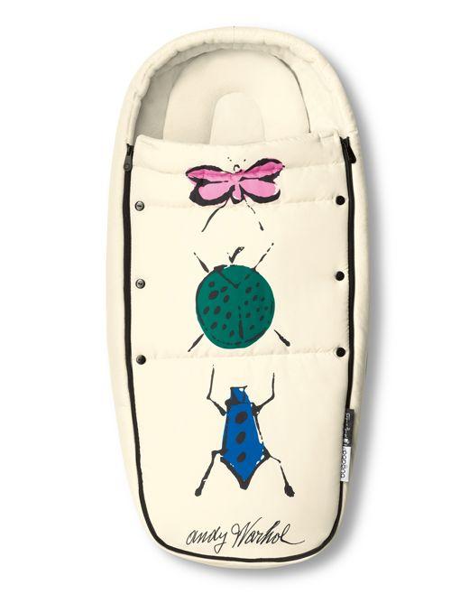 Een kind kan niet vroeg genoeg 'aan de kunst', vinden ze bij Bugaboo, en dus werkten ze voor de nieuwe collecties 'So Many Stars' en 'Happy Bugs' samen met de Andy Warhol Foundation. Fifties illustraties van de kunstenaar sieren de bekende wandelwagens. € 169,95 (voor Bugaboo Cameleon of Donkey), www.bugaboo.com