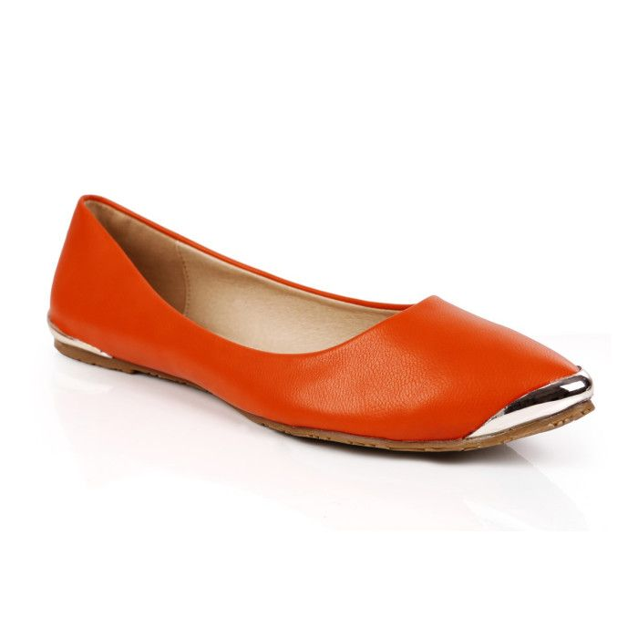 Basic orange flats to add some color to a formal outfit  #PracticalMagic in orange avaliable at #INTOTO #Orangeflats #ballerinas #flats #casual #day #evening #orange