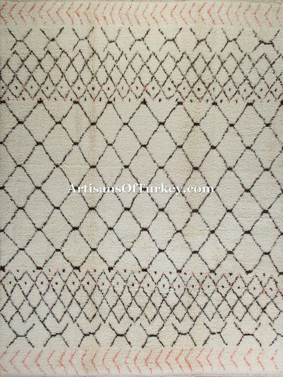 7 x 10 Ft 215x305 cm Moroccan Berber design by ArtisansOfTurkey