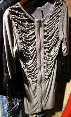 ::: OutsaPop Trashion ::: DIY fashion by Outi Pyy :::: Skeleton knotted hoodie