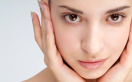 Cildin yaşlanmasını durdurmak, sıkı ve genç bir cilt elde etmek için son yıllarda ameliyat yerine ce...