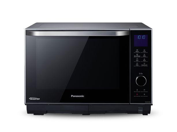 Utforska Panasonic NN-DS596M - Mikrovågsugnar - Med Panasonics Combi-ugn kan du laga gourmetmåltider med minimal ansträngning. Ugnen är utrustad med Turbo Steam-teknik som ger dig möjlighet att laga mat på ett nyttigare sätt och bevara mer vitaminer. Med Panacrunch-pannan kan du grilla med mindre fett och ett perfekt jämnt tillagat resultat. Det har aldrig varit så enkelt att laga fräsch och nyttig mat.