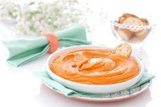 Receta de Hummus de pimientos del piquillo para tus fiestas. Un poco de pan o verduras crudas cortadas en bastones serán el acompañamiento perfecto.